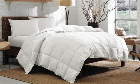 how to make a down comforter 6 tips to choosing the best down comforter for your bed