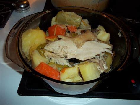cuisine poule au pot poule au pot et sa sauce blanche douce cuisine