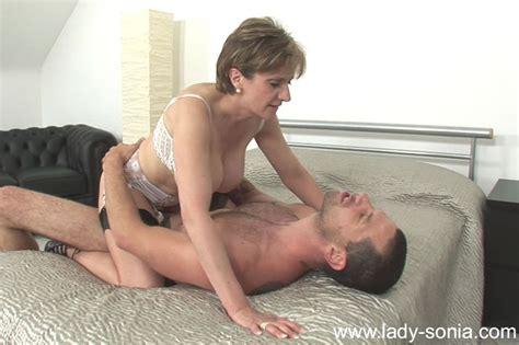 British Milf Lady Sonia Gets Cumload On Tits Pichunter