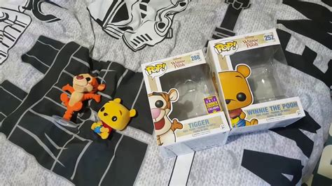 Funko Pop Winnie The Pooh Pooh Flocked sdcc 2017 tigger and pooh pop funko flocked figure review