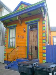 new orleans colorful houses the tiny cottages of faubourg marigny