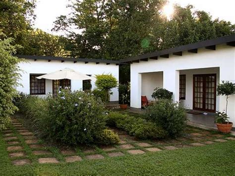 guest houses plumbago guest house accommodation in panorama route