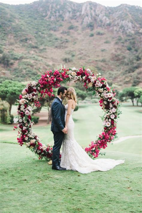 wedding arch circle 25 trendiest wedding arches and backdrops for your