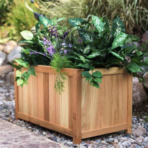 vasi da giardino in legno fioriere in legno vasi e fioriere come scegliere le