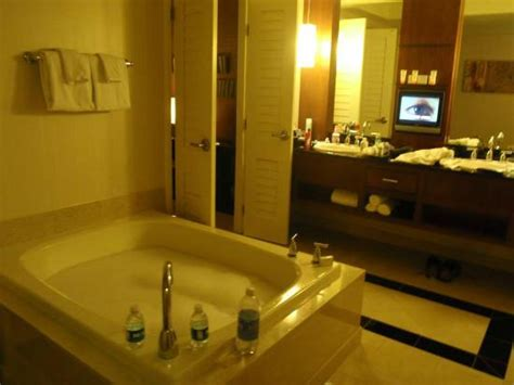 mandalay bay great room suite two person tub in our great room suite picture of mandalay bay resort casino las vegas