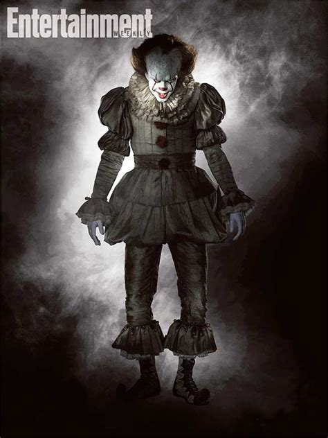 film it remake pennywise s full costume revealed for remake of stephen