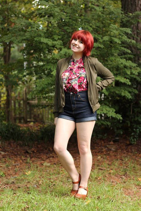 outfit floral top olive green jacket high waisted denim shorts  clogs petite panoply