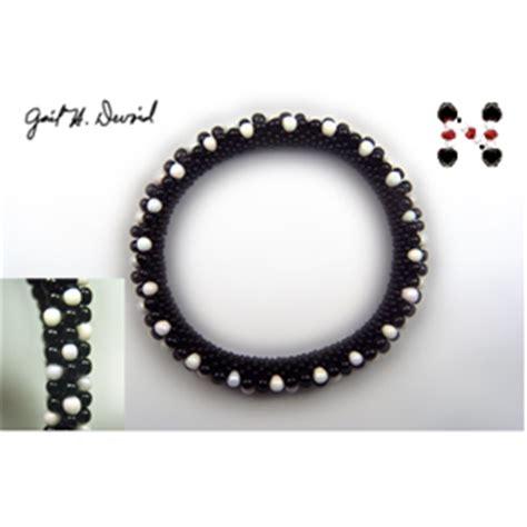 black and white bead bracelet black and white 3 drop bead crochet bracelet 374 sova