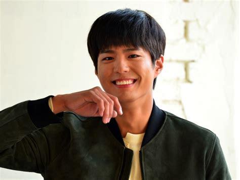 Jaket Anak Lagi Heboh 5 seleb korea ini pakai jaket jokowi yang jadi berita