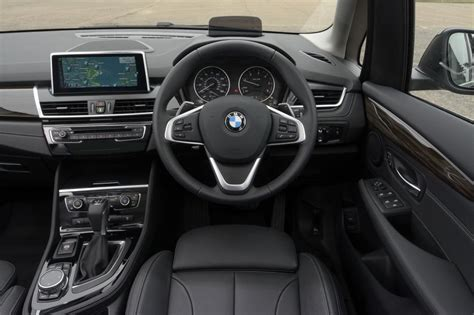 Bmw 2er Active Tourer Innenraum by Bmw 218d Active Tourer Pictures Auto Express