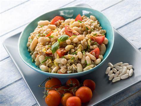 ricette per cucinare il farro come cucinare il farro ricette e consigli diredonna