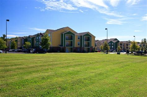 3 bedroom apartments bowling green ky bg ky apartments hilltop club in bowling green ky