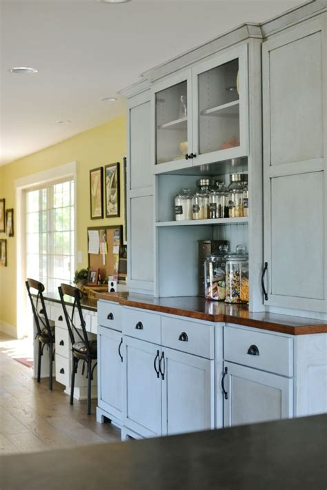 kitchen cabinets that look like furniture kitchen and family room makeover at the picket fence