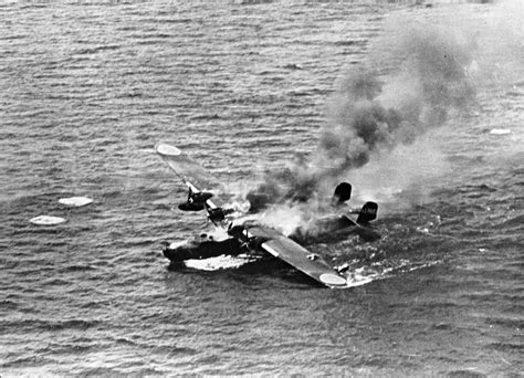 kawanishi flying boat archivo kawanishi h6k burning on the water 1944 jpeg