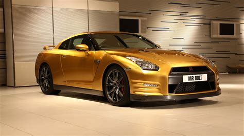 golden cars nissan gt r gold wallpaper hd car wallpapers