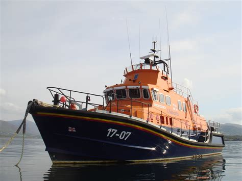 lund boats wiki file rnli lifeboat in knightstown jpg wikimedia commons