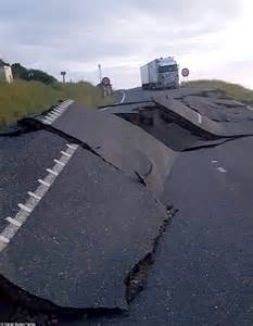earthquake magnitude new zealand s south island hit with magnitude 7 4
