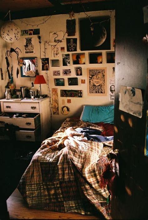 indie bedroom ideas this isn t messy it s grunge bedroom pinterest