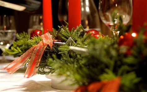 decorazioni tavola natalizia la tavola natalizia idee per decorazioni semplici ed eleganti