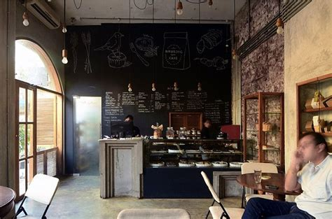 Bibliotheque Industrielle 704 by お店訪問 ムンバイにあるレトロ シックなカフェ ルビデコ