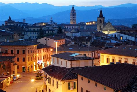 monte di lucca pistoia places to visit from lucca tuscany