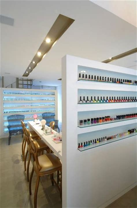 Nail Bar Interior Design by 17 Best Ideas About Nail Bar On Nail Salon