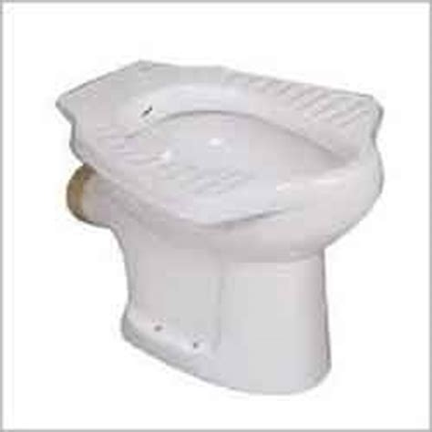 Commode Types by 12 Types Of Toilets Different Types Of Toilet