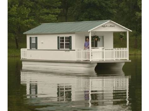 small pontoon boats for sale in nc best 25 pontoon houseboats for sale ideas on pinterest