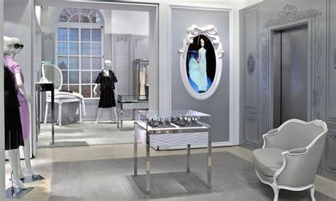 Sitting Room Layout - christian dior temporary store segd