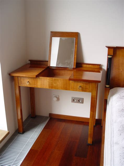 büroartikel wohnzimmer rosa