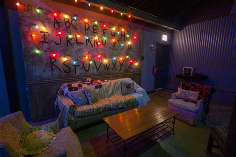 Livingroom Club a look inside the stranger things bar pop up in chicago