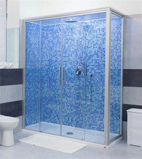 doccia doccia doccia in vetro e mosaico di remail