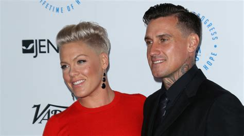 Images Kitchen Islands by Pink And Carey Hart Selling Malibu Beach House For 13m