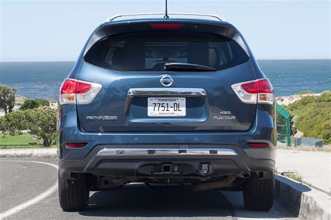 nissan pathfinder platinum white 2013 nissan pathfinder platinum rear view 2 photo 2