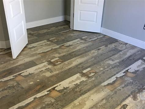 Featured Floor: Reclaimed Barn Board EVP