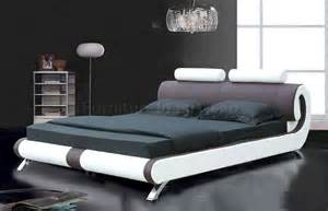 coffee brown white leatherette modern bed w curved headboard