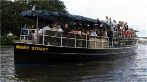 thames river boat party disco the river thames guide private boat trips party boats