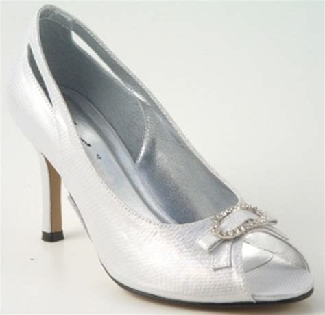bridesmaid shoes silver silver satin shoes wedding shoes by perdita s
