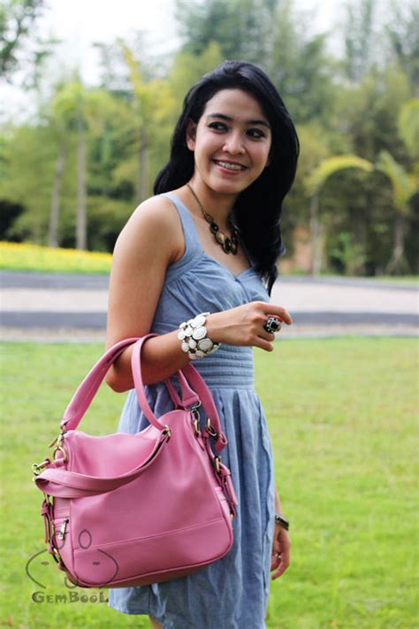 Cantik Tas Selempang Wanita Murah Banget produk terlaris model tas cangklong wanita tokodompettas