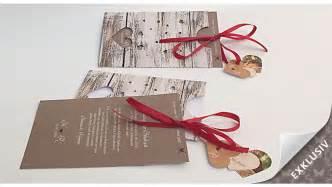 Hochzeitseinladung Holz by Exklusive Hochzeitseinladung Als Taschenkarte Gestaltet