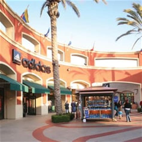 hotel ls with outlets las americas premium outlets 246 photos 469 reviews