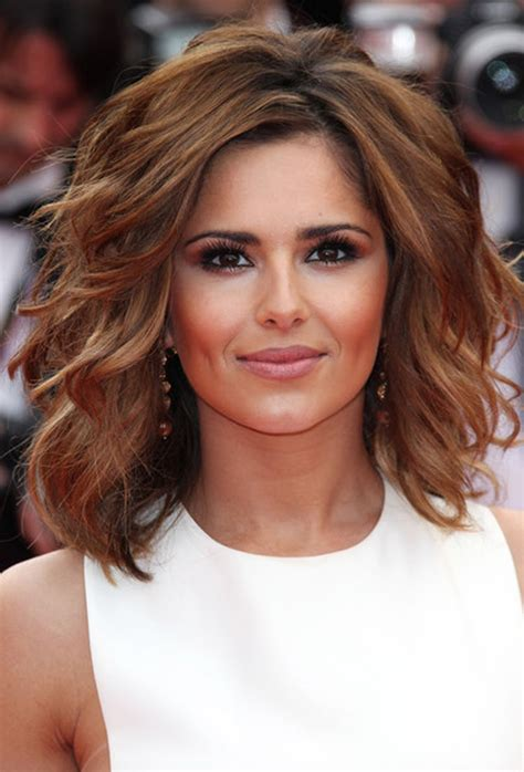 Which Hair Style Is Suitable For Curly Hair Medium Height | medium short hairstyles for thick wavy hair 2014 2017