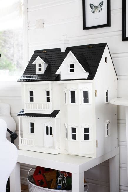 white doll house 14 best images about barnerom on pinterest the map pastel colors and bunk bed