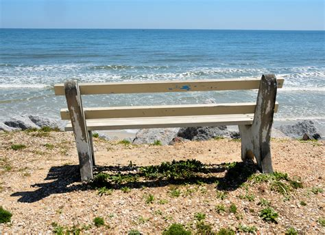 beach benches bench on the beach 39 wallpapers hd desktop wallpapers