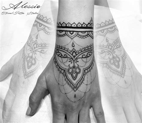 black henna tattoo on hand ornamental henna best design ideas