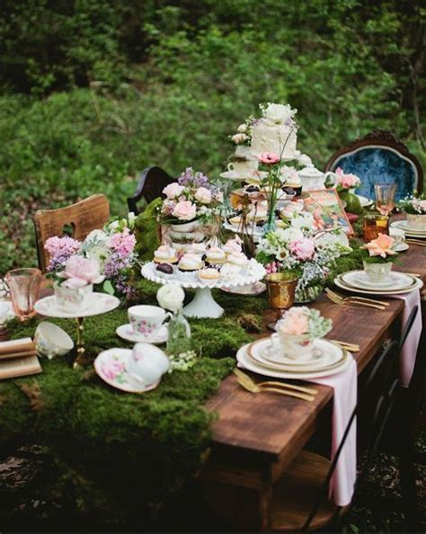 Best 25  Mad hatters tea party ideas on Pinterest   Mad