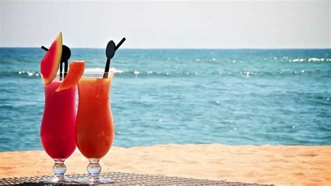 cocktail drinks on the beach cocktail beach www pixshark com images galleries with