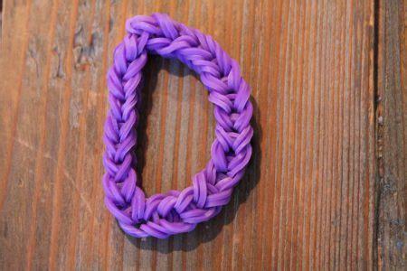 Loom Letter M by Kinderfilmpjes Kinderfilmpjes