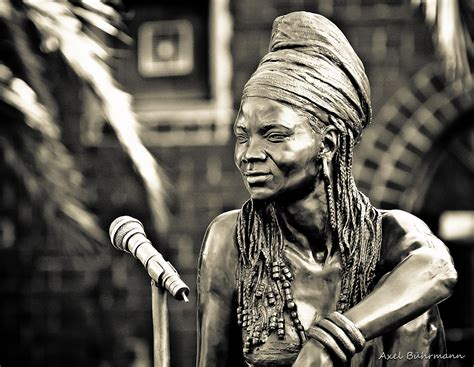 south african house music artists brenda fassie wikipedia