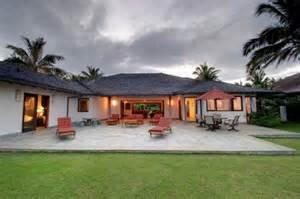 obama hawaii home the obama family s hawaiian vacation home on the block